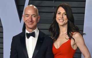 Image of Jeff Bezos and wife